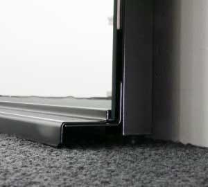 「壁ミラー つっぱりタイプ」ブラックタイプの部品 (3)