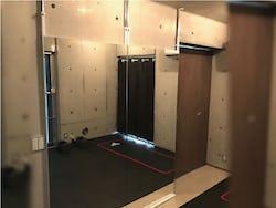 「壁ミラー つっぱりタイプ」の使用事例 : トレーニングルーム S社様